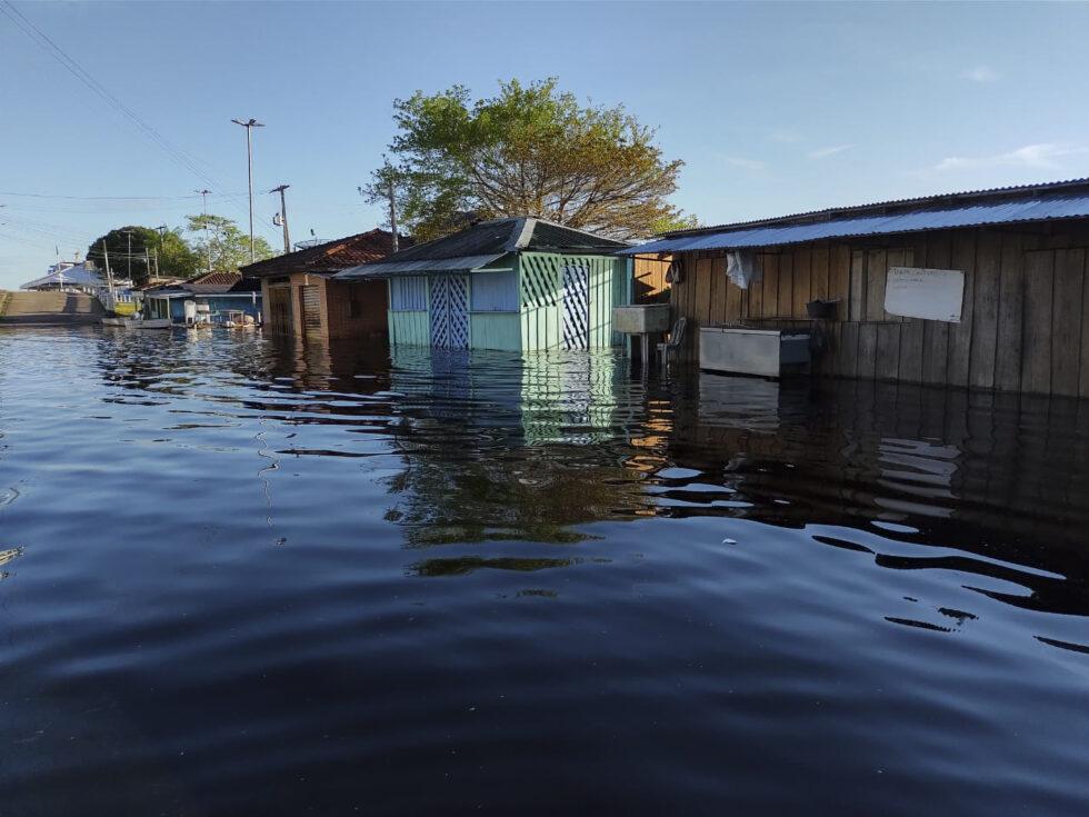 Foto 2: Tag der Indigenen 2020_Presse2 | © Aimas Barcelos, Instituto Socioambiental BU: Sowohl Dürre als auch Hochwasser machen der indigenen Bevölkerung am Amazonas zu schaffen. Dabei sind jene Territorien, wo Indigene leben, am stabilsten was die Auswirkungen des Klimakrise betrifft.